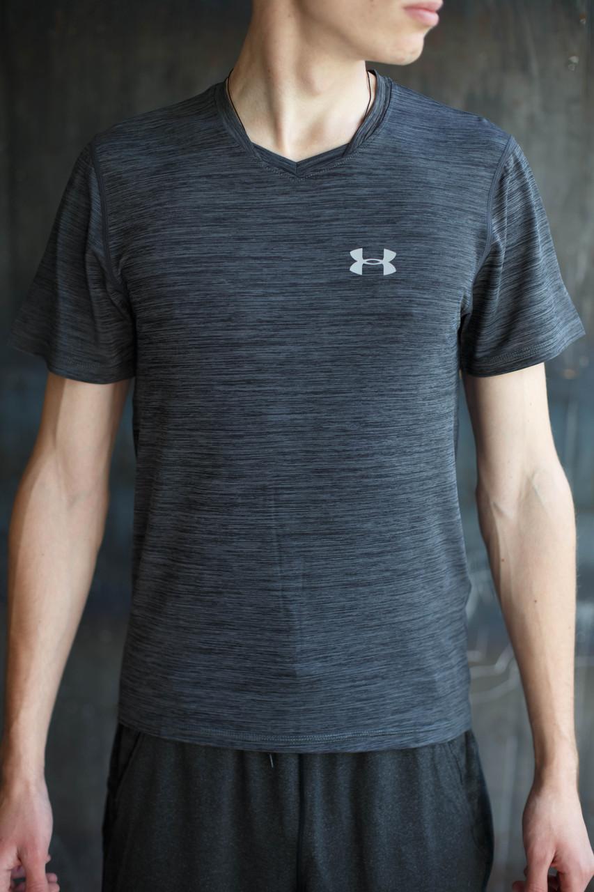 Мужская футболка Under Armour.