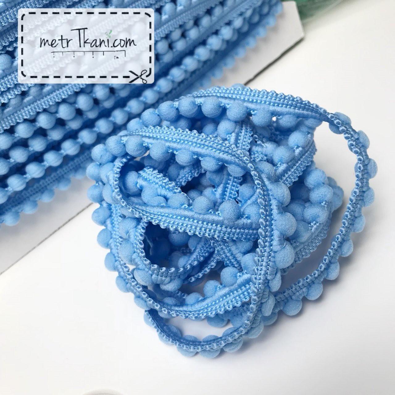 Тесьма с помпонами  голубого цвета d12 мм № п12-10