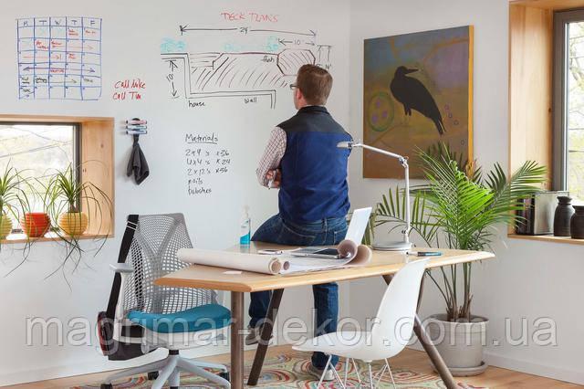 фото маркерной краски в рабочем кабинете