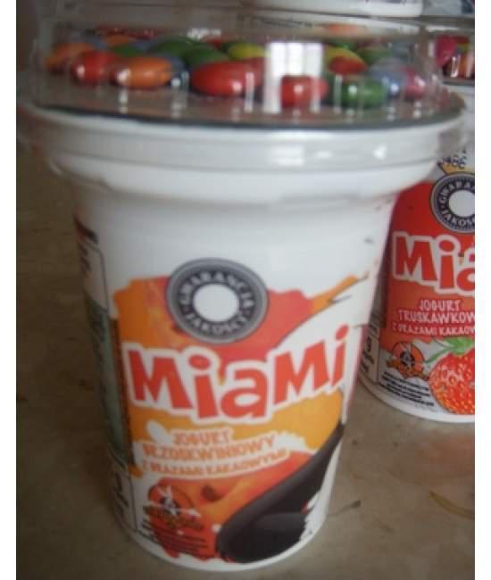 Йогурт персиковый с драже Miami 135 гр