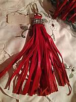 брелок хвост кожа натуральная на сумку красный на золотистом мощном карабине и стразы, фото 1