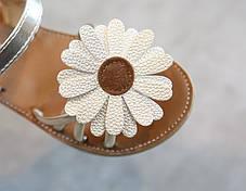 Босоножки для девочки золотые с цветком, фото 2