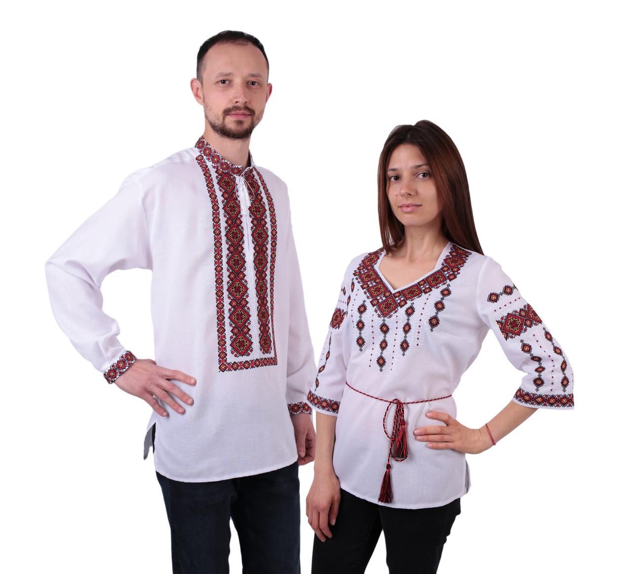Пара вишиванок білого кольору з червоним орнаментом з машинною вишивкою недорого