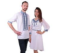 Пара вишиванок білого кольору з голубим орнаментом з машинною вишивкою недорого, фото 1