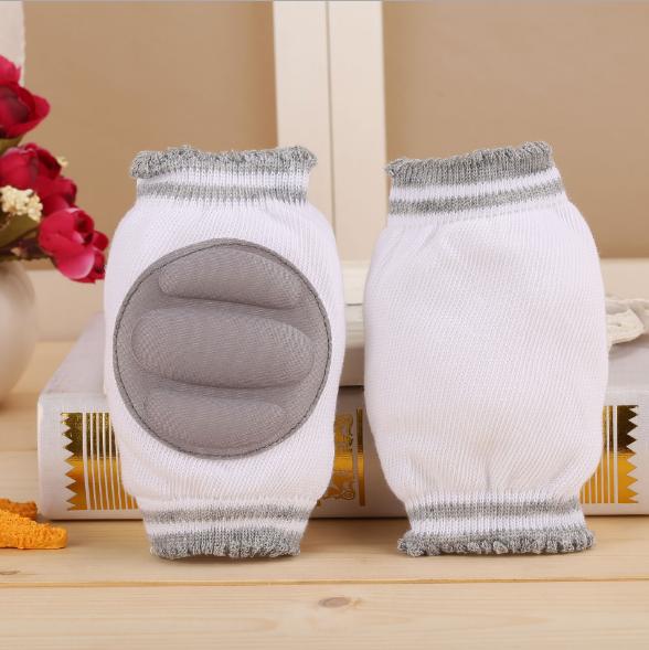 Наколенники с мягкими подушечками Серые полоски (01226)
