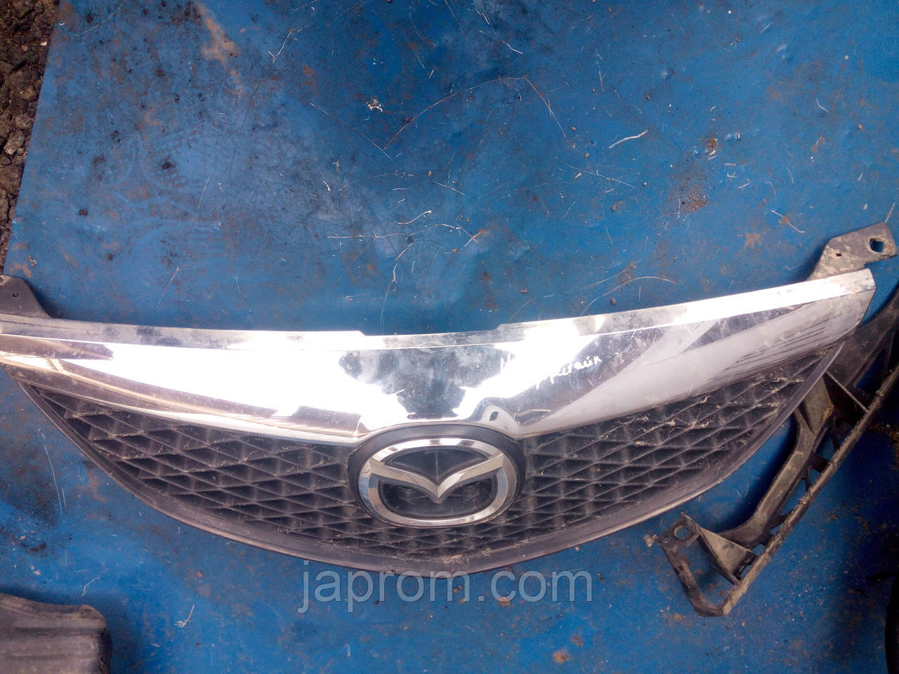 Решетка радиатора Mazda 6 GG 2002-2005г.в.