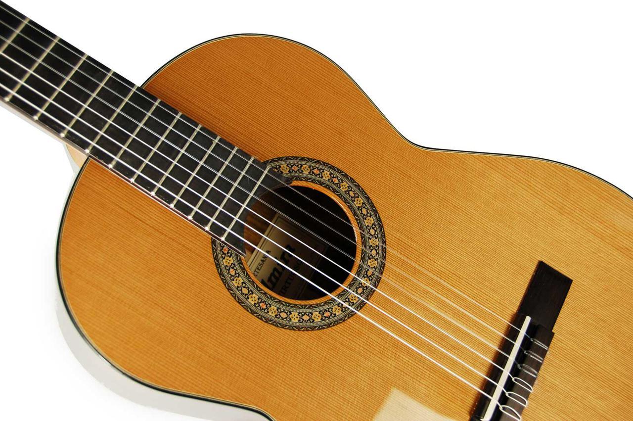 Классическая гитара Admira Virtuoso