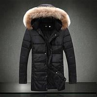 Удлиненная зимняя мужская куртка с меховым капюшоном
