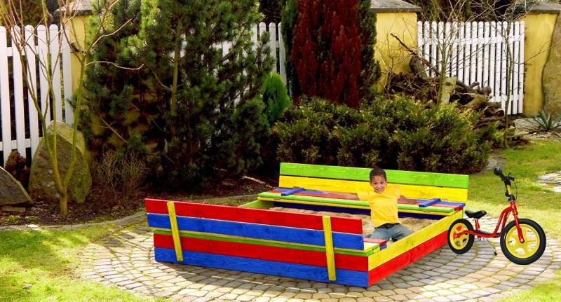 Деревянная песочница с лавочками для детей 120 х 120 см