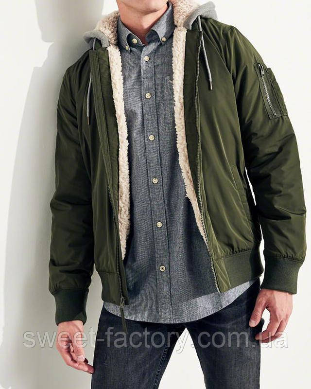 Продам новую куртку hollister оригинал 100%.