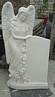 Эксклюзивная скульптура памятник ангел с розами из литьевого мрамора, фото 1
