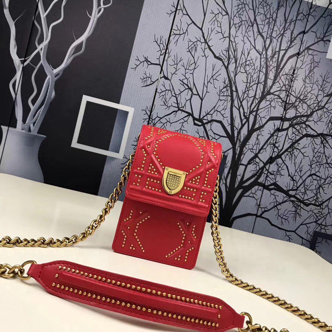 f85fa835f686 Dior Diorama сумка на плечо с узором Archicannage из заклепок - Look at me  в Киеве