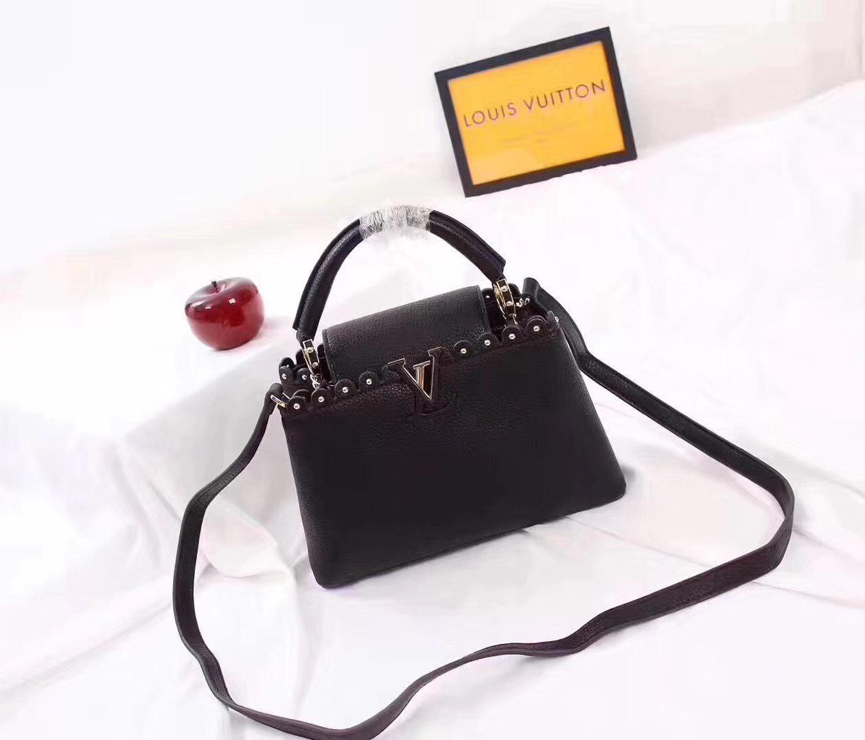 f493b5145d26 Louis Vuitton Capucines Сумка Женская Черная — в Категории