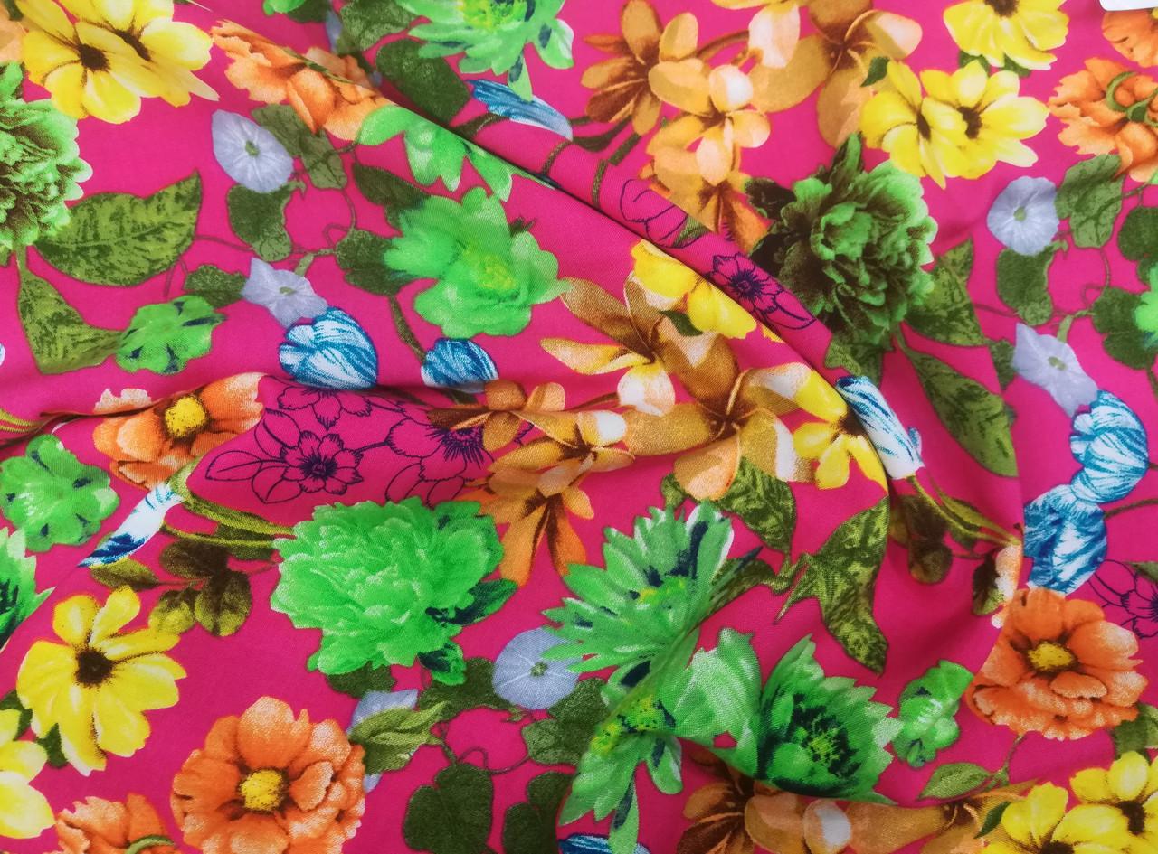 Ткань штапель принт цветы на малиновом фоне