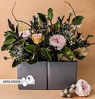 Композиция из стабилизированных цветов и растений «Two flower halves»
