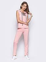 Розовый спортивный костюм без рукавов с капюшоном и шнуровкой