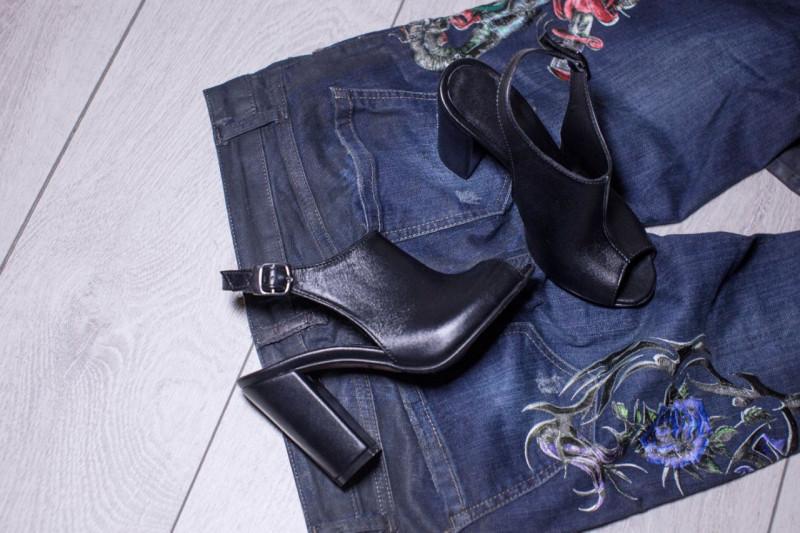 ... Красивые классические женские летние босоножки на толстом устойчивом  каблуке сабо с открытой пяткой кожаные черные ffd5588750d702a ... 0ad895fcc56a6