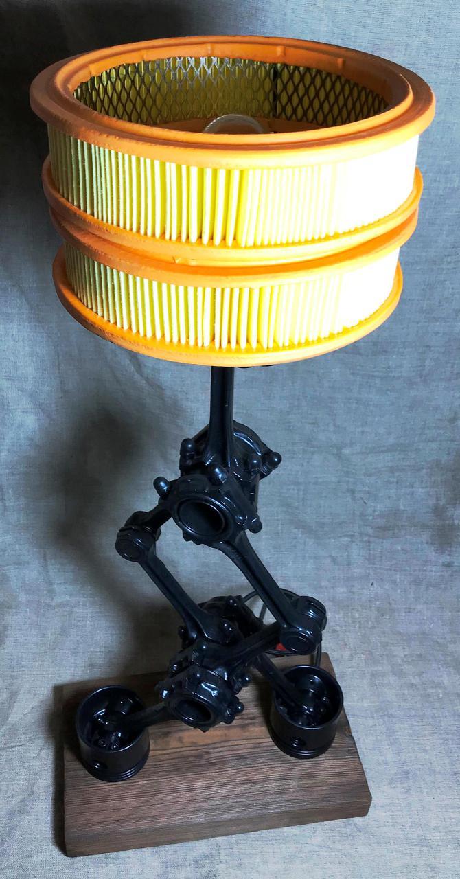 Высокий светильник стимпанк с абажуром из фильтра