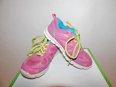Кросівки підліток фірмові 33 р. 057КД