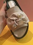 Кожаные шлепанцы серебристого цвета , копия, фото 2