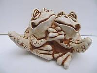 Влюбленные жабы (Статуэтки Мраморная крошка)