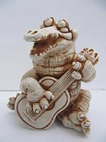 Крокодил с гитарой (Статуэтки Мраморная крошка)