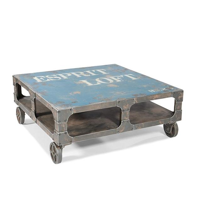 Столик на колесах в индустриальном стиле