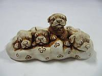 Щенки на подушке (Статуэтки Мраморная крошка)