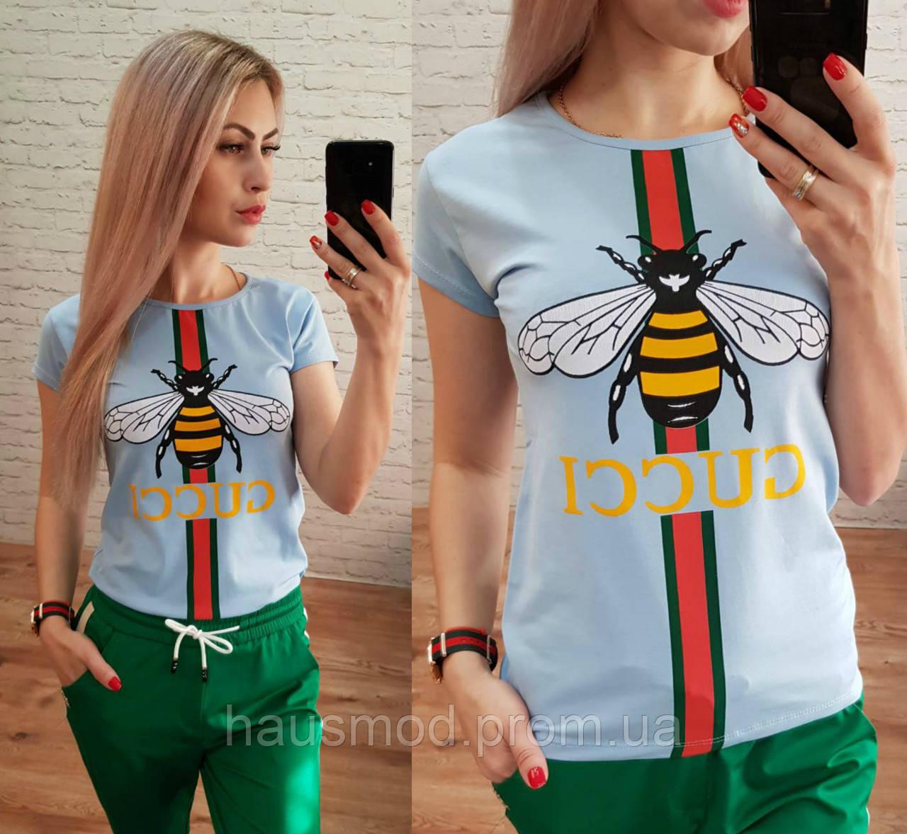 Женская футболка стрейч катон реплика Гучи пчела небесный голубой