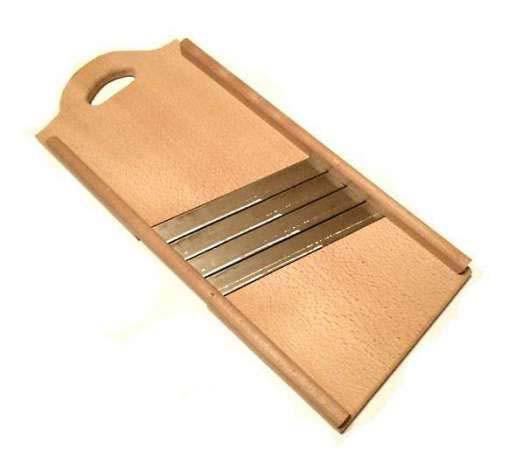 Шинковка  деревянная С-4 мя ровными  лезвиями