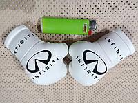 Подвеска боксерские перчатки Infiniti белые