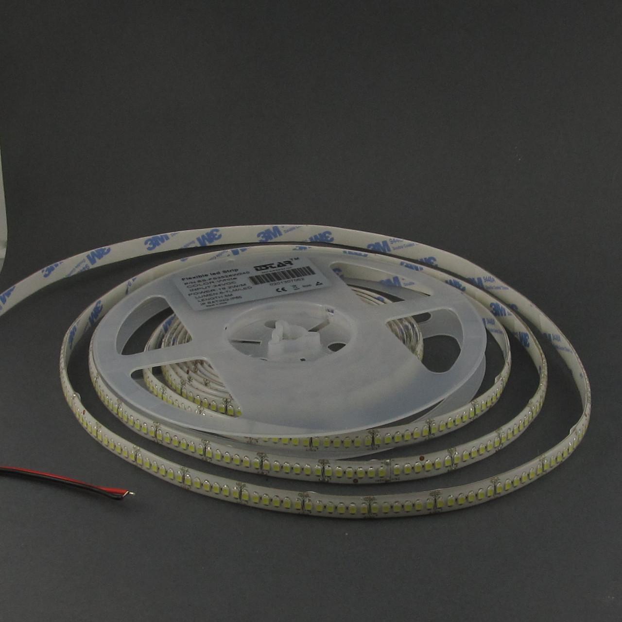 Светодиодная лента 3528/240 IP65 24В премиум белый