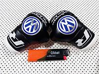 Подвеска боксерские перчатки Volkswagen черные в авто