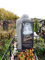 Одинарний пам'ятник з граніту для коханої на могилу