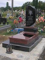 Одинарний пам'ятник з граніту на могилу з червоного та чорного граніту
