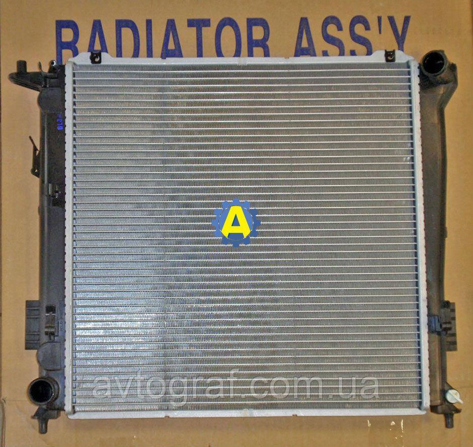Радиатор охлаждения двигателя(основной) на Киа Сид (Kia Ceed) 2006-2009