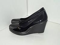 Женские черные лаковые туфли. р. 36 - 39