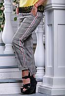 Женские брюки в клетку из лёгкой костюмной ткани