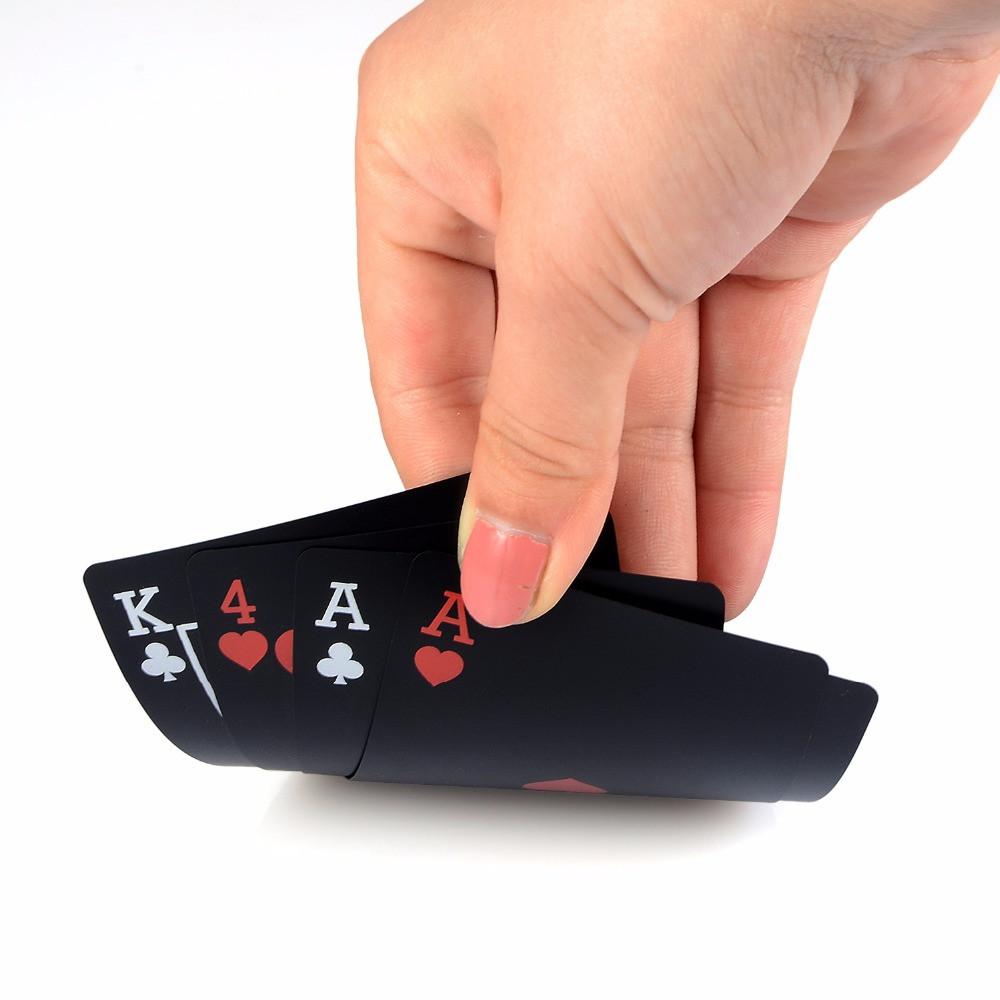 2483e309e276f Черные водонепроницаемые игральные карты пластиковые! Колода черных карт,  которые не мнутся! - Интернет