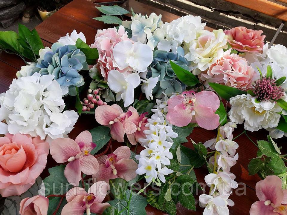 Композиція на арку з квітів(рожевий,білий,блакитний)