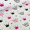 Хлопковая ткань бязь польская черные и малиновые короны разного размера на белом