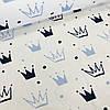Хлопковая ткань бязь польская голубые и синие короны разного размера на белом