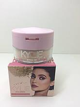 Рассыпчатая пудра для лица Kylie Jenner