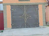 Ворота гаражные  с кованым узором