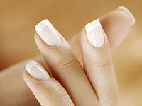 Снятие лака с нарощенных ногтей