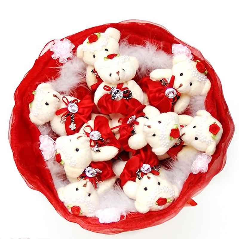 Букет из мягких игрушек Мишки 9 белые в красном