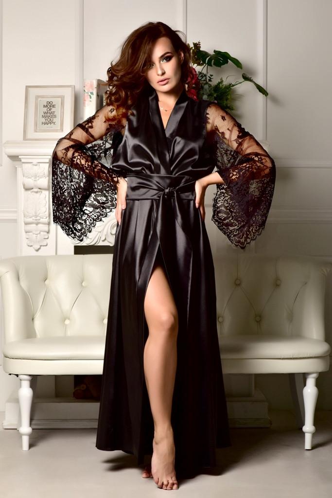83c88584534e1 Черный атласный халат в пол с роскошным кружевным рукавом - SweetLove -  Женское бельё и домашняя