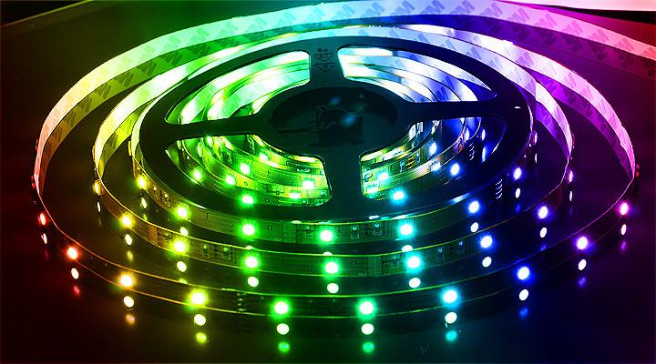 Світлодіодна стрічка «той, що Біжить вогонь» WS2811 RGB 5050 30LED/m ( IP65) авто без контролера