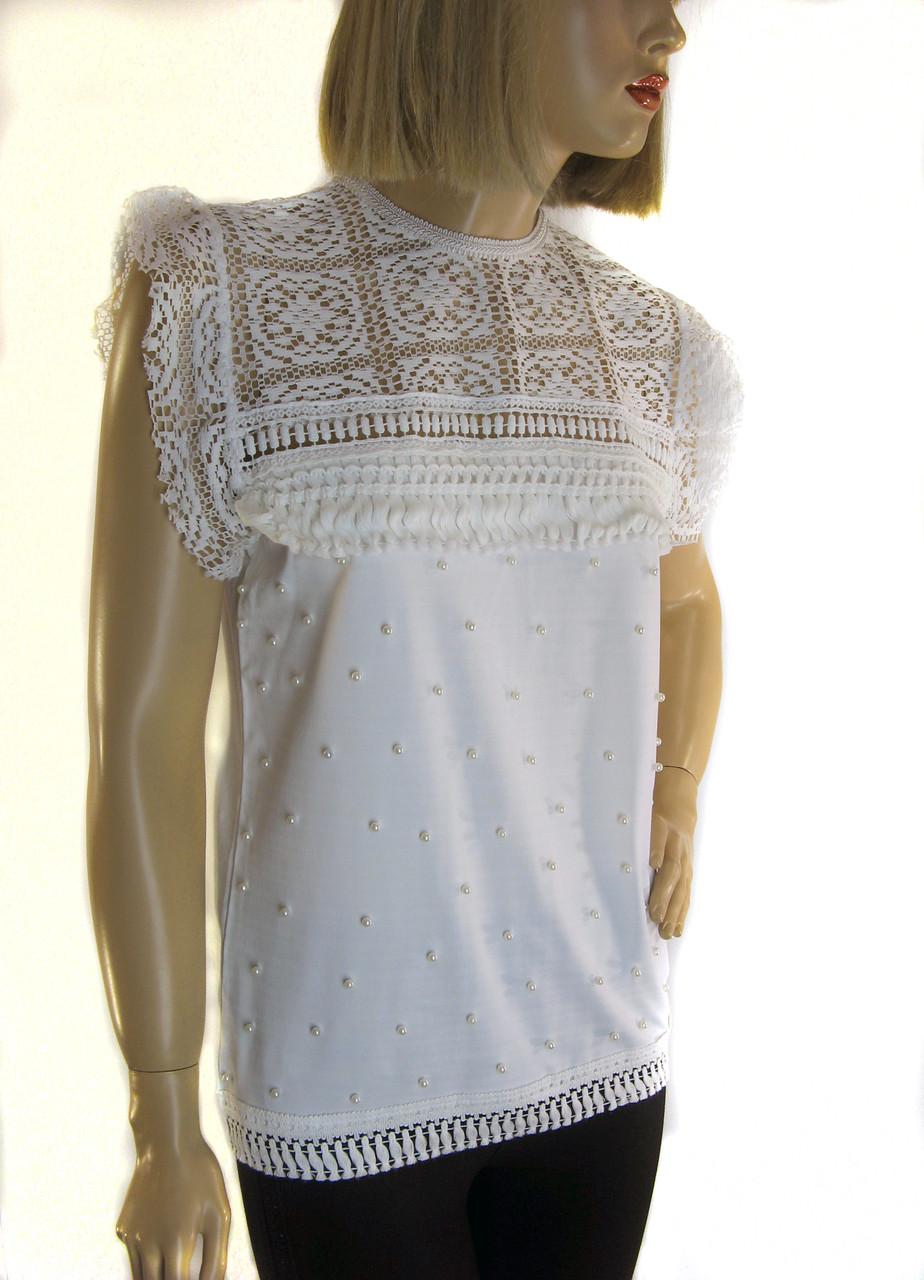 Блузка  біла  з мереживом і перлинками Leviores