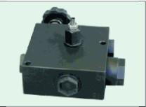 Трехховой распределительный клапан Hydropnevmotechnika VRF/C3/V/VS
